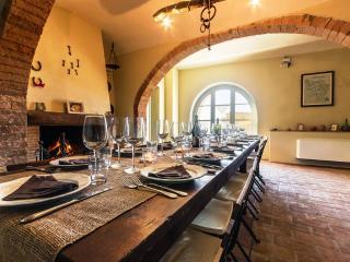 4 bedroom Villa in Montaione, San Gimignano, Volterra and surroundings - Villamagna vacation rentals