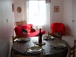 2 bedroom Condo with Internet Access in La Tour-de-Salvagny - La Tour-de-Salvagny vacation rentals