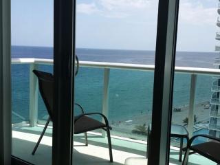 MODERN CONDO ON THE BEACH - Florida South Atlantic Coast vacation rentals