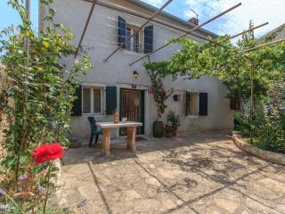 Beautiful & traditional Istrian house - Medulin vacation rentals
