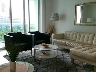 BEAUTIFUL CONDO ON THE BEACH - Hollywood vacation rentals