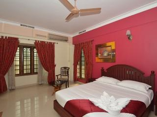 2 bedroom Bed and Breakfast with Internet Access in Kochi - Kochi vacation rentals