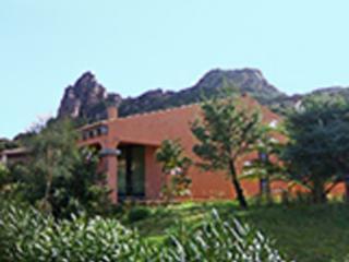Villa con giardino privato e terrazzo 6 p.l. - Costa Paradiso vacation rentals
