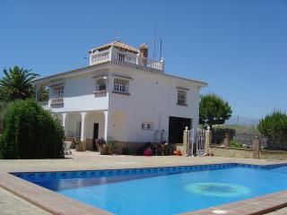 Beautiful Garden Apartment and Large Private Pool - Alhaurin el Grande vacation rentals
