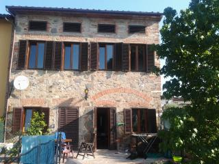 3 bedroom Farmhouse Barn with Internet Access in Capannori - Capannori vacation rentals