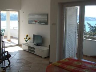 Korda 8 ap. for 7 people by the sea - Novalja vacation rentals