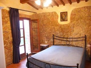 Tognazzi Casa Vacanze  - Appartamento Isabella - Montaione vacation rentals