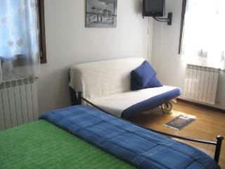 Romantic 1 bedroom Bed and Breakfast in Cazzago di Pianiga - Cazzago di Pianiga vacation rentals
