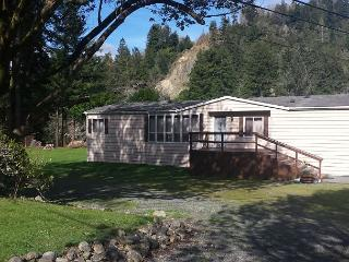Redwood Coast River House on the Smith River & Redwood Park - Sleeps 8 - Crescent City vacation rentals
