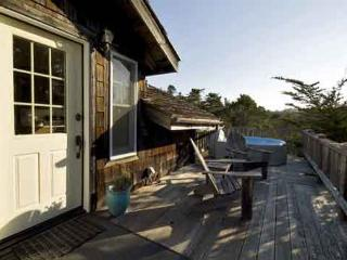 A cozy retreat, warm and inviting & just two miles from town. - Mendocino vacation rentals