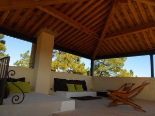 Le souleillan - Gordes vacation rentals