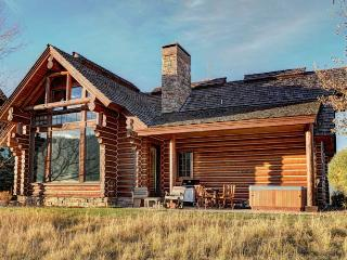 3 bedroom Cabin with Shared Outdoor Pool in Victor - Victor vacation rentals