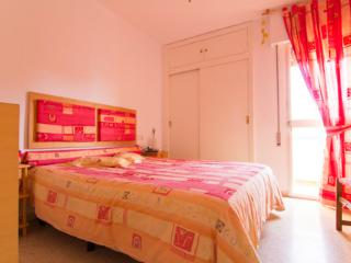 economic apartment. 6 people. beach and center - El Puerto de Santa Maria vacation rentals