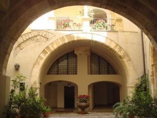 edificio storico - Palermo vacation rentals