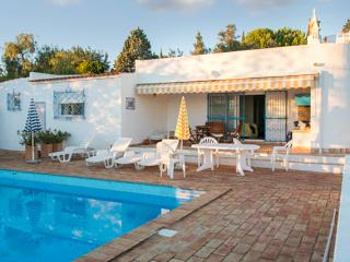"""Casa das Oliveiras"" - Spacious, modern Algarve house with 3 bedrooms, garden & private pool - Faro vacation rentals"