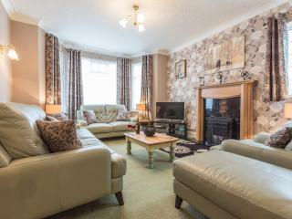 Five Star Penrhyn House Llandudno seaside location - Llandudno vacation rentals