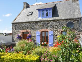 Idyllic stone house in Côtes-d'Armor, Brittany, with fenced garden & terrace – sleeps 4 - Treguier vacation rentals