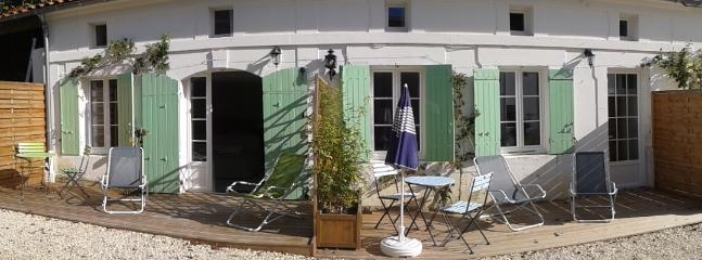 Nice 1 bedroom Jonzac Gite with Internet Access - Jonzac vacation rentals