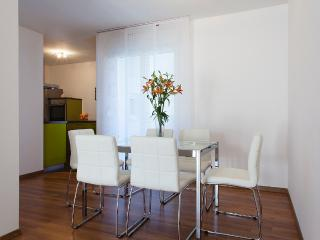 Apartman Modeo - Split vacation rentals