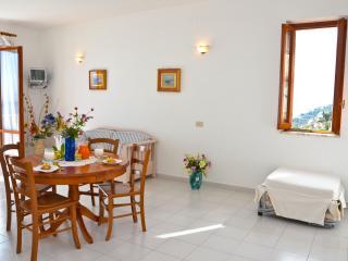 Amalfi appartamento vista mare - Vettica di Amalfi vacation rentals