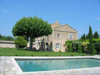 Beautiful mansion with pool - Saint-Remy-de-Provence vacation rentals