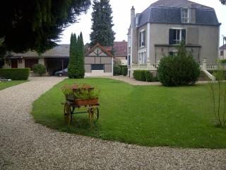 Nice Gite with Internet Access and Satellite Or Cable TV - Voutenay-sur-Cure vacation rentals