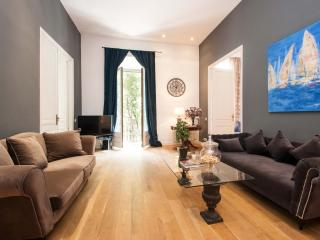 DELUXE TWO BEDROOMS APARTMENT - Barcelona vacation rentals