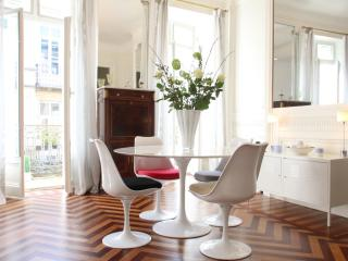 Bordeaux Golden Triangle - chic and convenient - Bordeaux vacation rentals