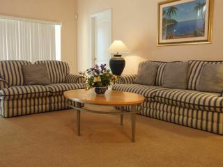 Perfect 5 bedroom Clermont Villa with Internet Access - Clermont vacation rentals