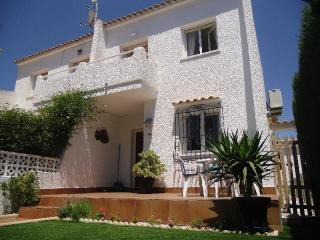 2 bedroom family holiday home - Torrevieja vacation rentals