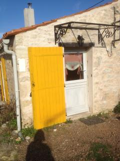 Nice House with Internet Access and Dishwasher - Saint-Denis-du-Payre vacation rentals