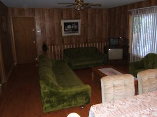 Private Lakefront Cottage Rental Parry Sound - Nobel vacation rentals
