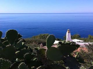 Villa Lantana, cozy gorgeous sea view - Torre delle Stelle vacation rentals