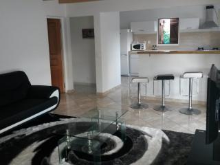 Cozy 2 bedroom Villa in Petit-Bourg - Petit-Bourg vacation rentals