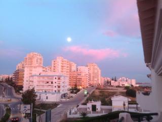 2 Bedroom Stylish Apartment Beach Front Complex - Armação de Pêra vacation rentals
