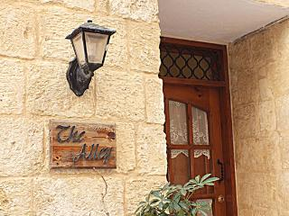 Beautiful 2 bedroom Townhouse in Birgu (Vittoriosa) - Birgu (Vittoriosa) vacation rentals