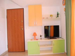 Cozy 2 bedroom Apartment in Promajna with Internet Access - Promajna vacation rentals