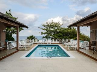 Spacious Villa with Deck and Internet Access - Boscobel vacation rentals