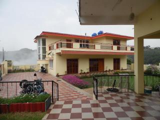 6 bedroom Guest house with Balcony in Coonoor - Coonoor vacation rentals