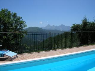 Love walking, your dream villa in the Apuan mountains - Fivizzano vacation rentals