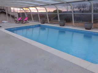 Gîte  Mas  de Cascabel avec piscine  chauffée - Causse-et-Diege vacation rentals