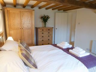 Charming 1 bedroom Vacation Rental in Naunton - Naunton vacation rentals