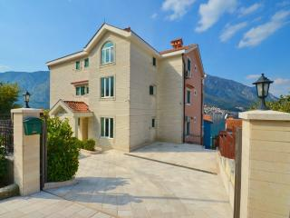 Apartmant Vucetic LUX in Kotor ( Dobrota ) - Montenegro vacation rentals