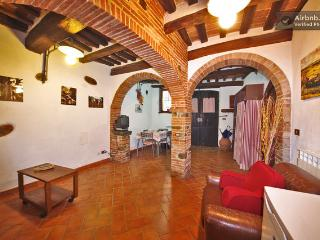 Romantic Condo with Internet Access and Short Breaks Allowed - Monterotondo Marittimo vacation rentals
