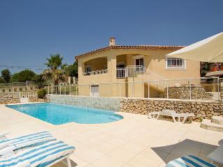 Beautiful 4 bedroom Saint-Paul-en-Foret Villa with Internet Access - Saint-Paul-en-Foret vacation rentals
