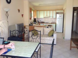 2 bedroom Apartment with A/C in Kyrenia - Kyrenia vacation rentals