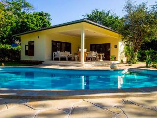Comfortable Cottage in Diani with Cleaning Service, sleeps 4 - Diani vacation rentals