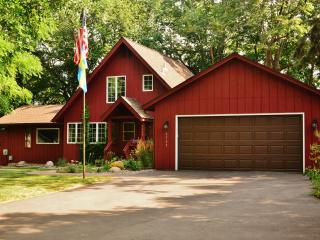 Liberty Bell Vacation Cottage on Prior Lake - Prior Lake vacation rentals