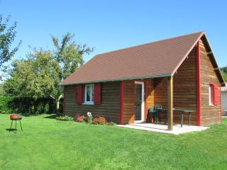 Bright 2 bedroom Epaignes Chalet with Local Guides - Epaignes vacation rentals