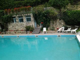 Cozy 1 bedroom Gandosso Apartment with Dishwasher - Gandosso vacation rentals